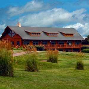 Far Oaks GC: clubhouse