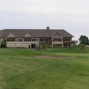 Whitetail Ridge GC: Clubhouse
