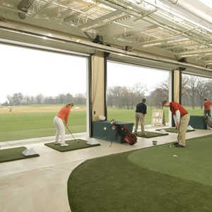 Cantigny Golf: Indoor practice area